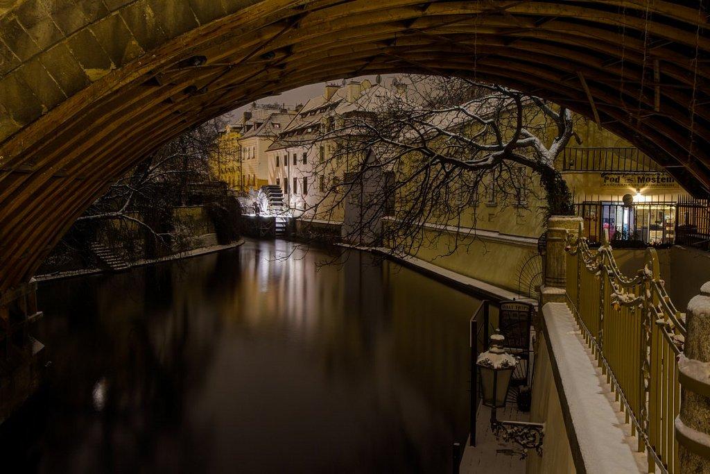 Zimní Čertovka, Velkopřevorský Mlýn, noční Praha - IMG-6779.jpg