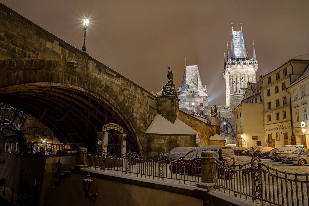Zimní Karlův most, noční Praha - IMG-6791.jpg