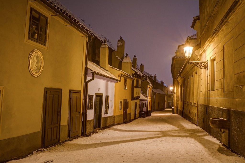 Zimní Zlatá ulička, noční Praha - IMG-6836.jpg