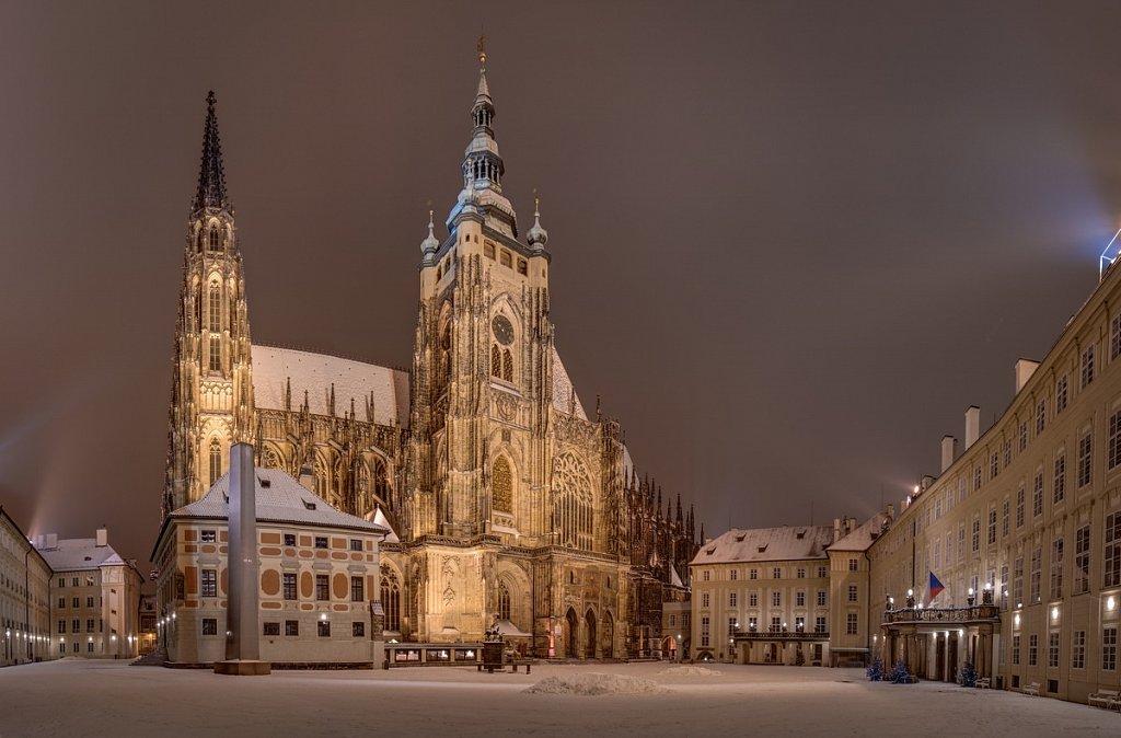 Zimní Katedrála svatého Víta, Pražský hrad, noční Praha - IMG-6882.jpg