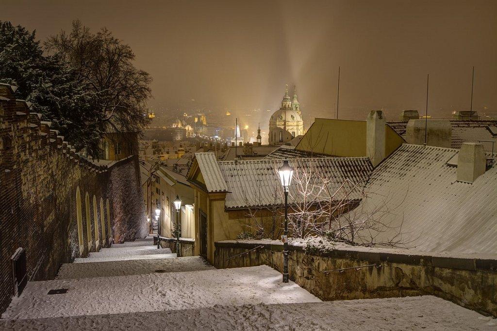 Zimní Zámecké schody, noční Praha - IMG-6897.jpg