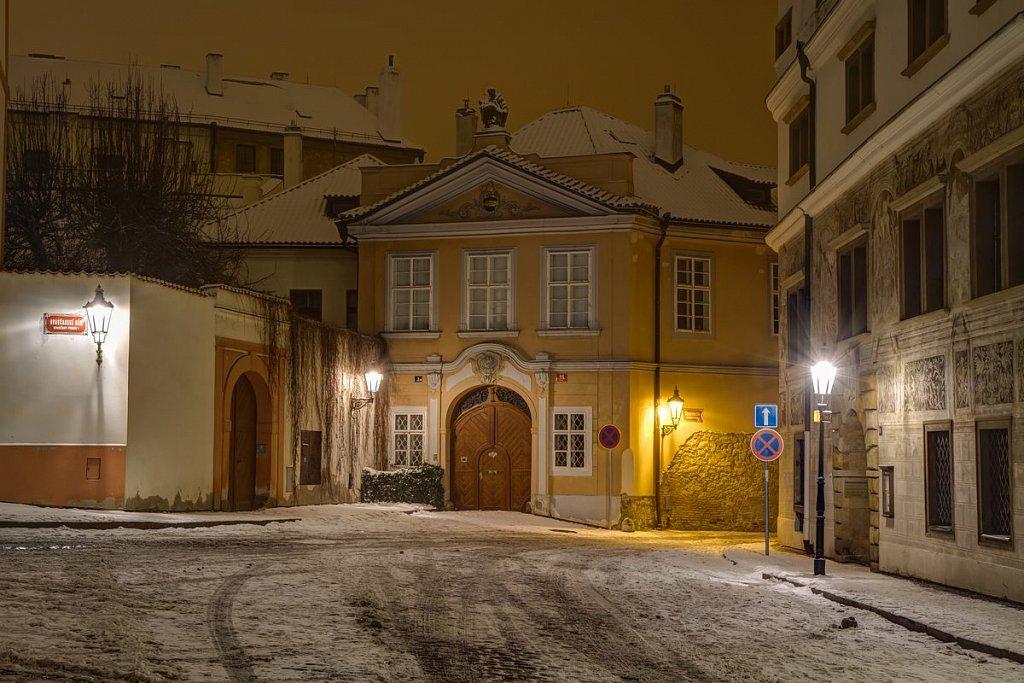 Zimní Hradčansé náměstí, noční Praha - IMG-6903.jpg