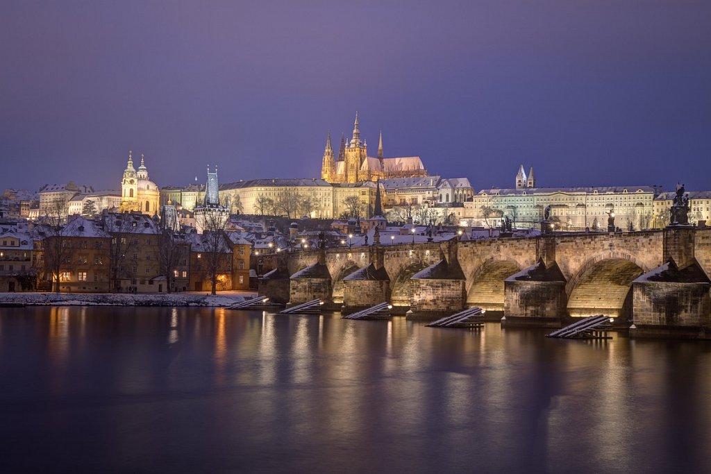 Zimní Pražský hrad, Hradčany, Karlův most, noční Praha - IMG-7019.jpg