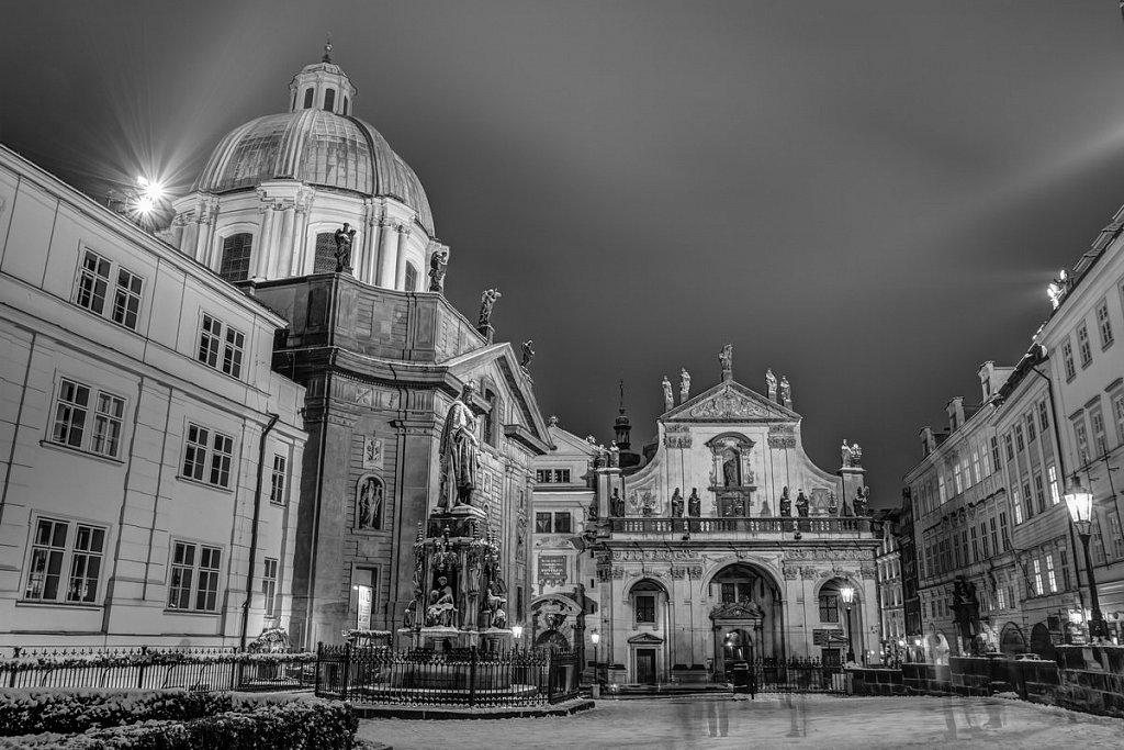 Zimní Křižovnické náměstí, noční Praha - IMG-7046.jpg