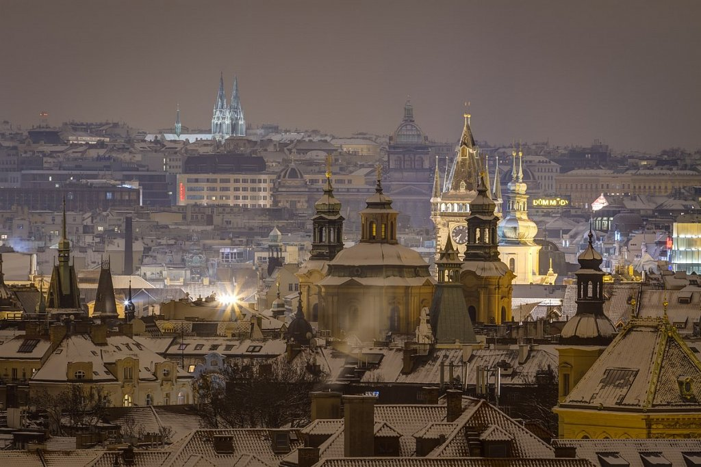 Pražské věže, noční zimní Praha - IMG-7145.jpg
