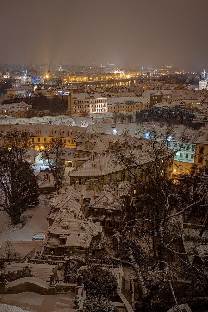 Pražské střechy, Zimní noční Praha - IMG-6707.jpg