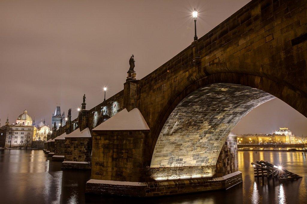 Karlův most, Národní divadlo, zimní noční Praha - IMG-6803.jpg