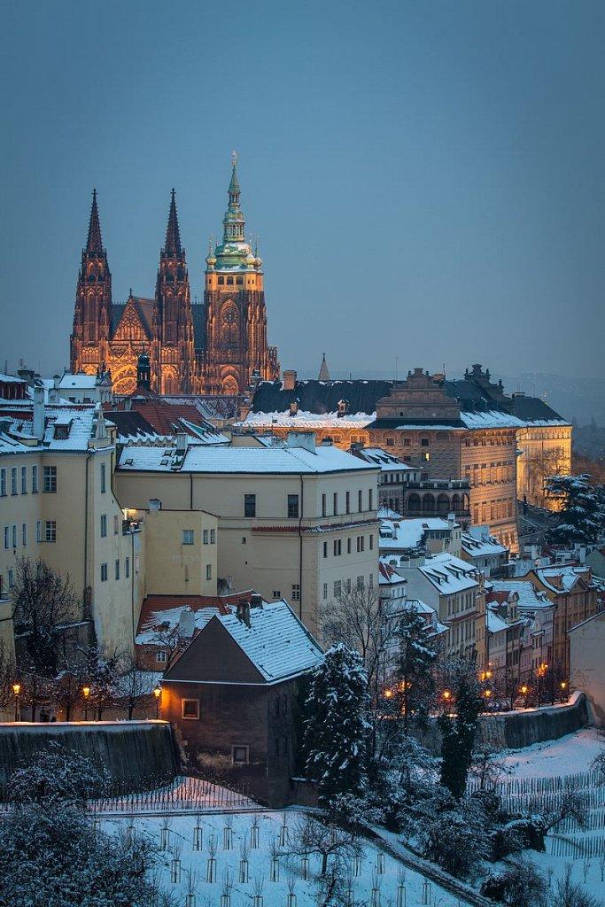 Chrám svatého Víta, Hradčany, zimní noční Praha - IMG-7297.jpg