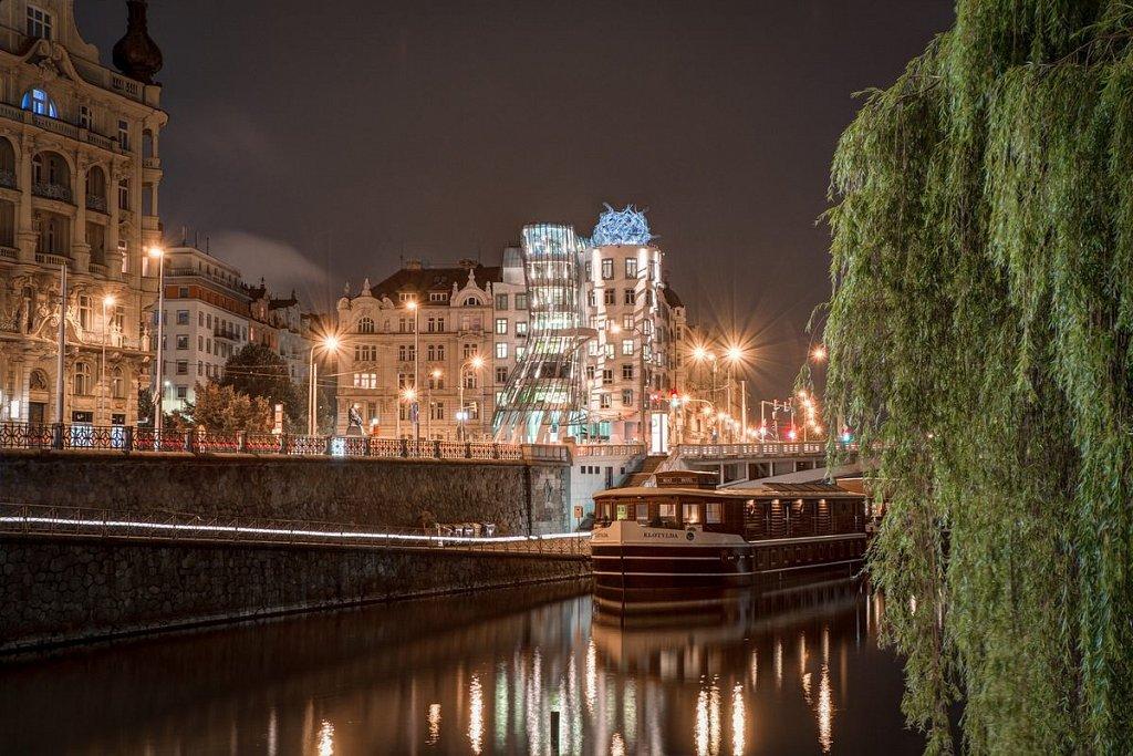 Noční Praha, Tančící dům, Klotylda - IMG-5419.jpg
