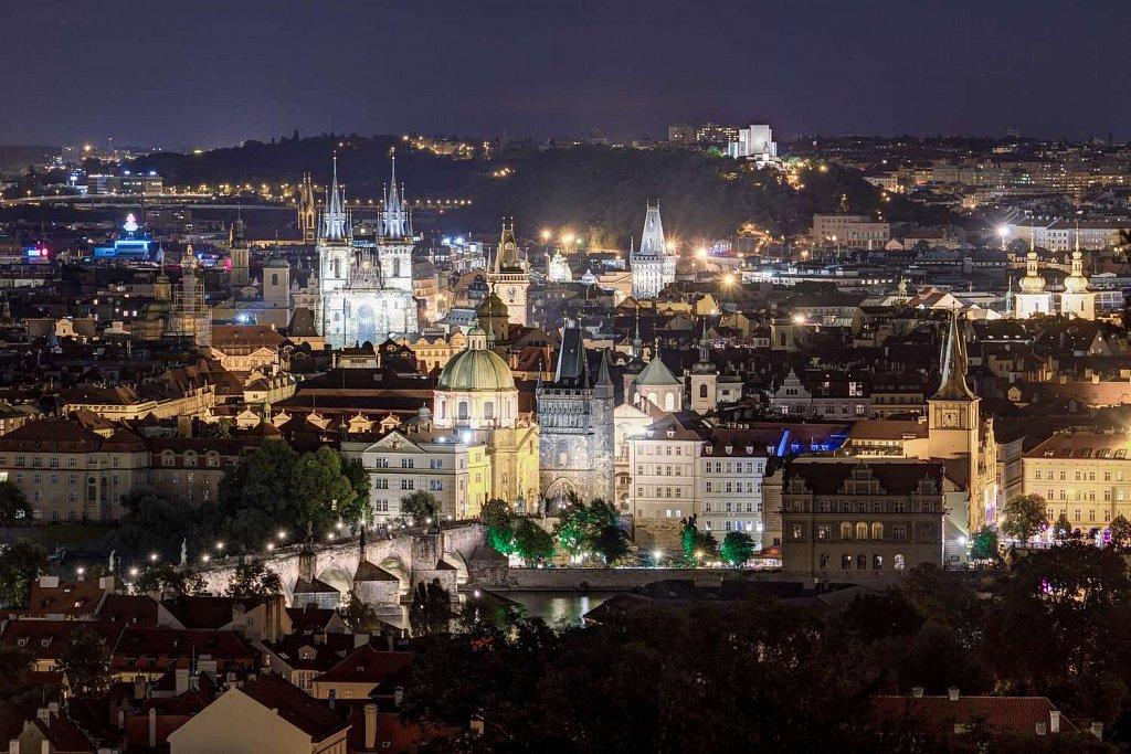 Noční Praha, Karlův most, Staré město, Týnský chrám, pražské věže - IMG-5220.jpg