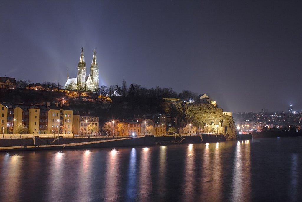 Noční zimní Praha, Vyšehrad, Bazilika sv. Petra a Pavla - IMG-3364.jpg